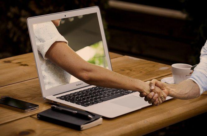 Come utilizzare al meglio i siti d'incontri online