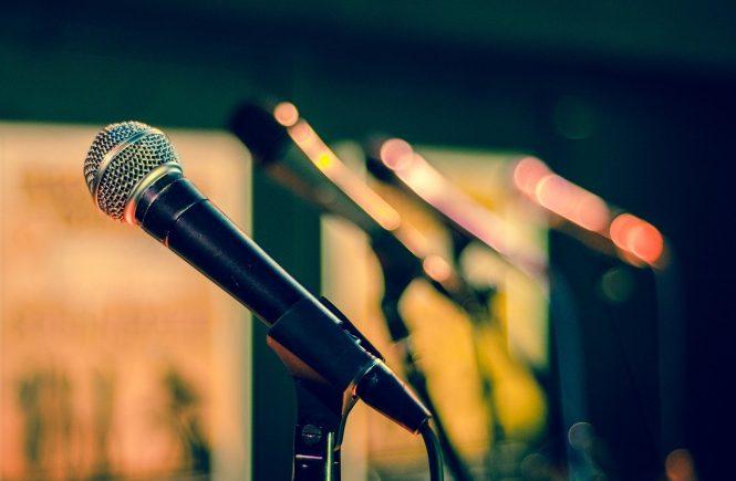 Come iniziare un discorso: vincere la paura di parlare in pubblico