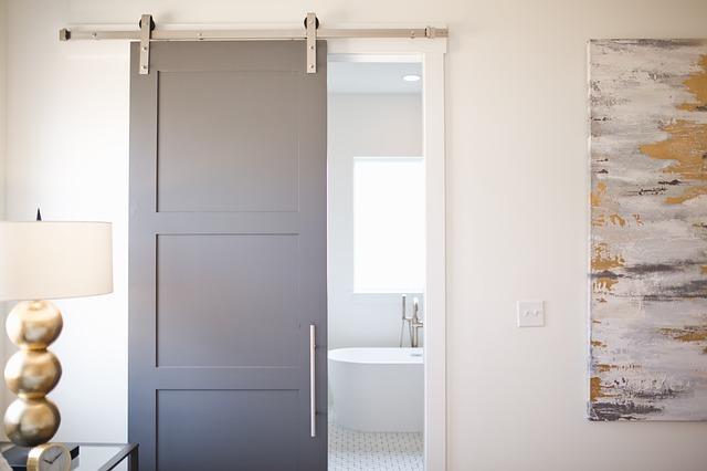 Quali sono i vantaggi delle porte a scomparsa?