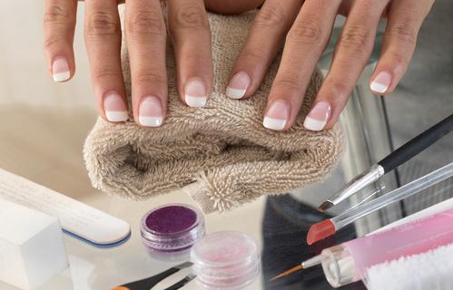 Kit ricostruzione unghie professionale la soluzione estetica per una manicure impeccabile